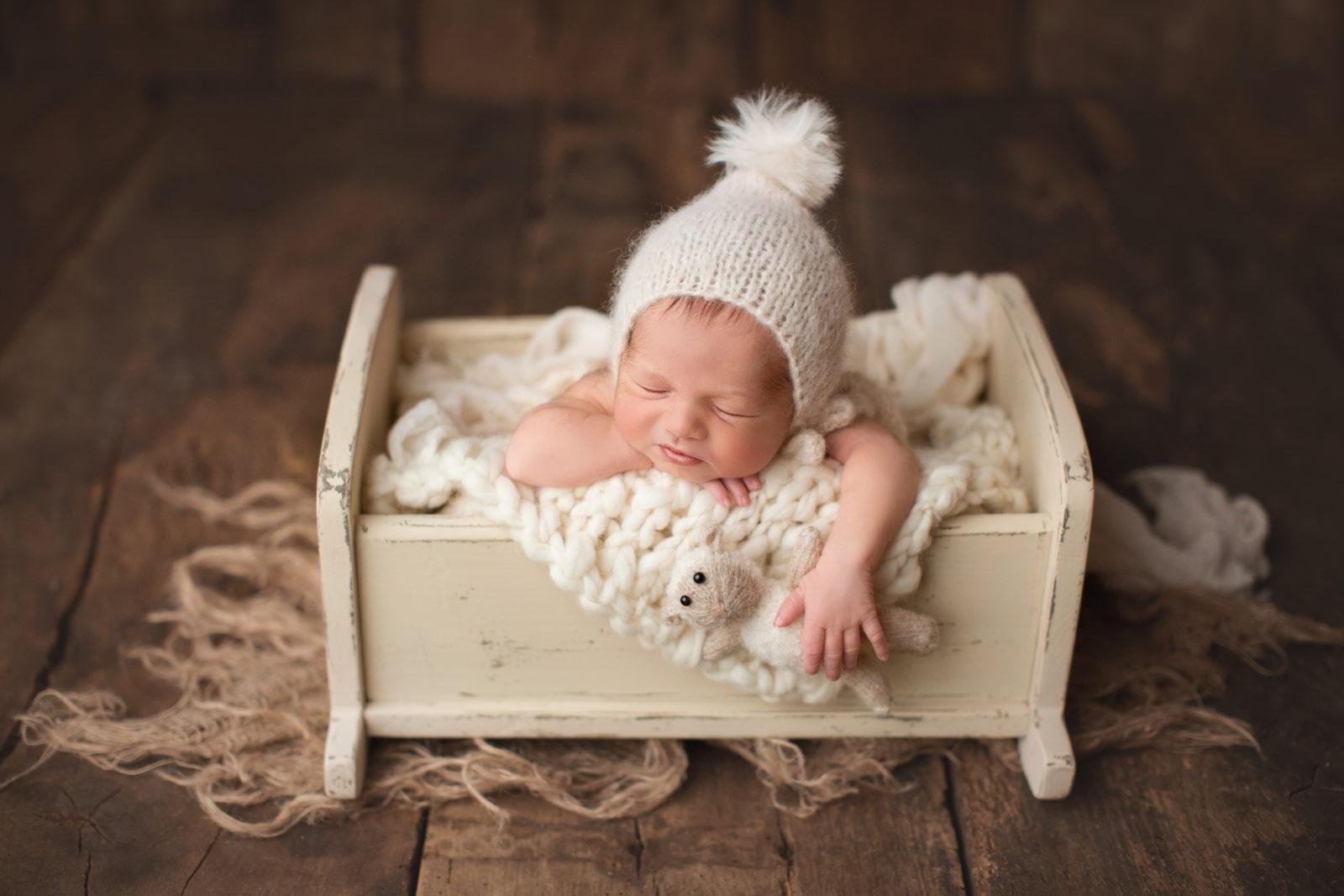 Kleines Baby bei seinem ersten Shooting im Studio von Libelle Photographie