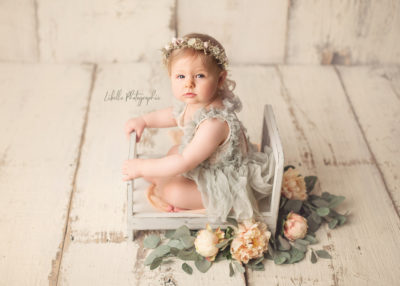 Baby fotografie mit kleinem Mädchen in Lohne bei Libelle Photographie